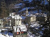 L'église Saints-Pierre-et-Paul depuis la via Panoramica